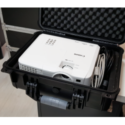 Proyector Canon LV-WX320 con cables